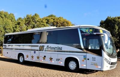 Ônibus novos com ar condicionado e plataforma de acessibilidade